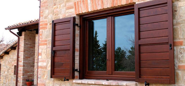 Infissi in legno a Firenze: la garanzia Remmers per il tuo acquisto