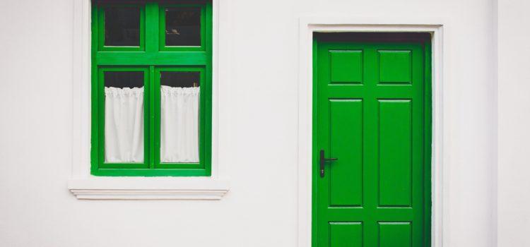 Che differenza c'è tra infissi e serramenti?