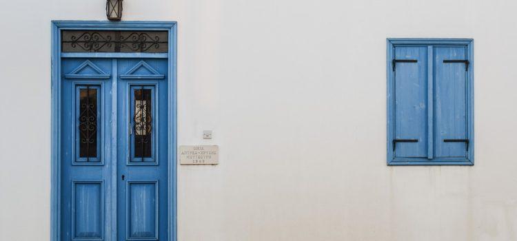 Porte e infissi a Firenze: sai come abbinare i colori?